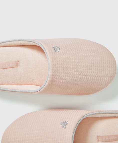 Basic pink piqué slippers