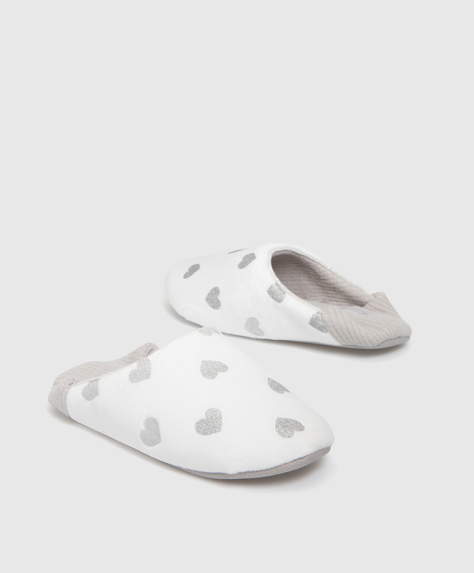 Mule slippers with hearts