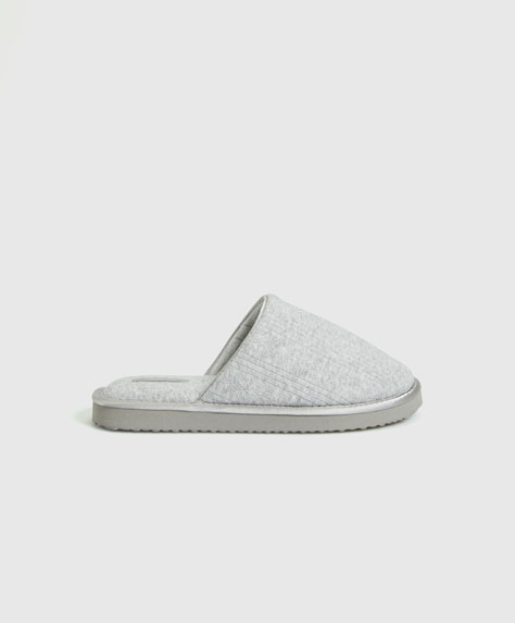 Open knit flatform slippers