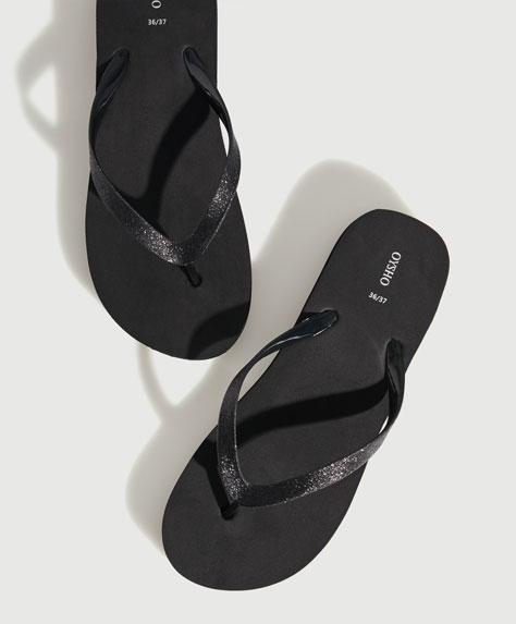 Flatform beach sandals with glitter straps
