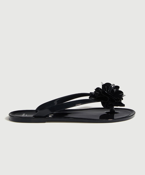 Beach sandals with flower