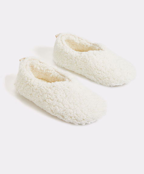 Closed slippers