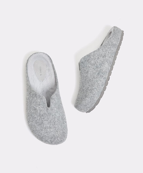 Basic felt mule slippers