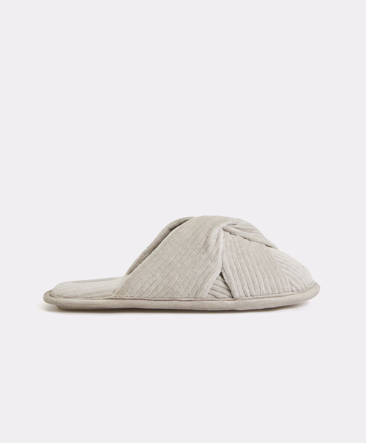 e941722194 Corduroy knot slippers - Sale - Pyjamas and homewear   Oysho Ireland