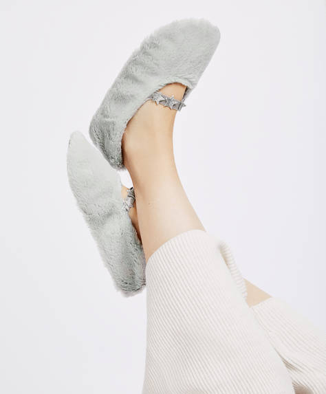 Soft star slippers