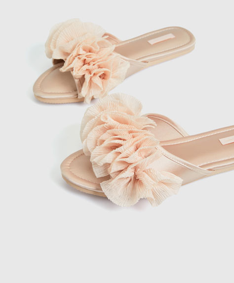 Sandals with chiffon frills