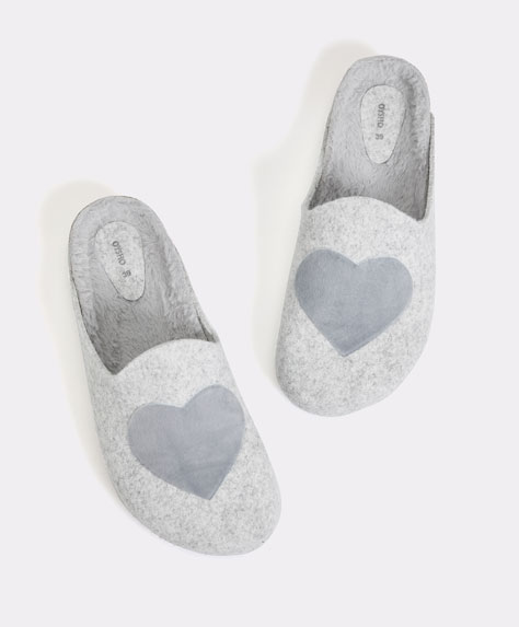 Felt clogs with hearts
