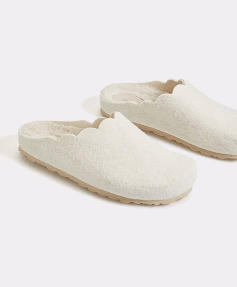 Slipper basic con pelliccia sintetica all'interno
