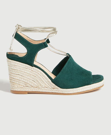 Tied split suede wedges