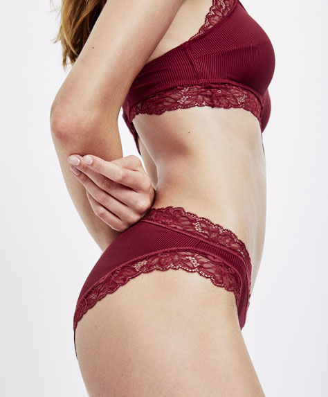 Micro-ribbed classic briefs with lace trims