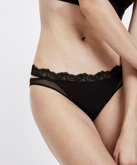 Classic tulle and lace strap detail briefs