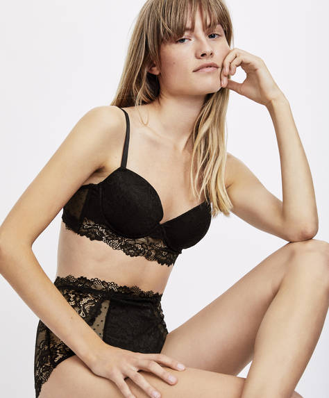 Klasisks 'bralette' tipa krūšturis ar 'push up' efektu