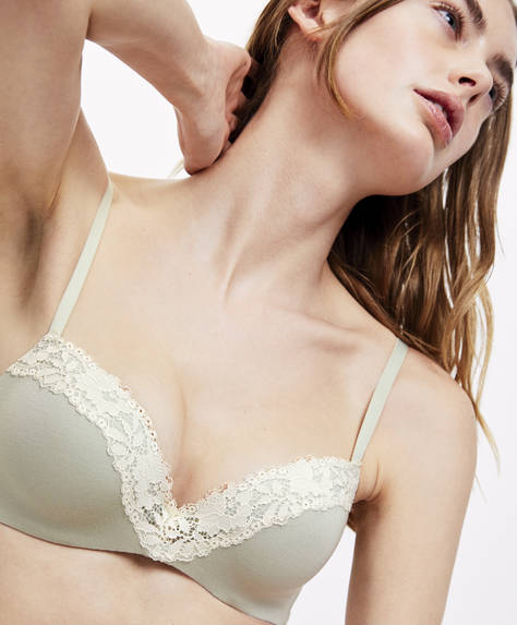 Classic padded bra with underband and opaque leaf trims