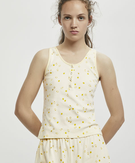 Sleeveless top with a mini lemon print