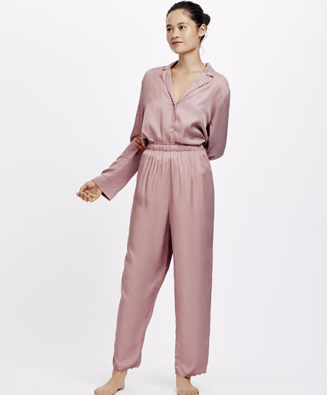 Scalloped hem pink trousers