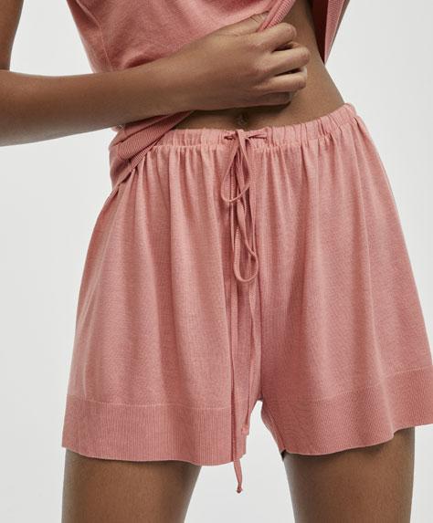 Pantalón corto rosa liso