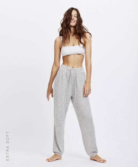 Extra-soft trousers with pockets