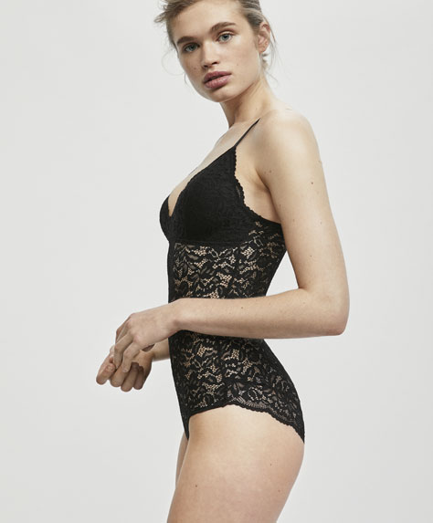 Body con foam crochet lace