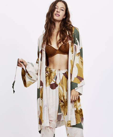 Block floral dressing gown