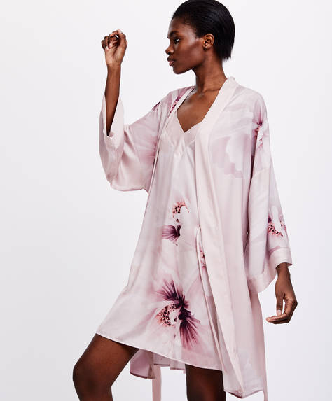 Bath robe with large floral print