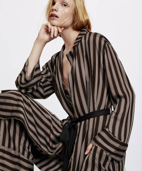 Bath robe with cocoa stripes