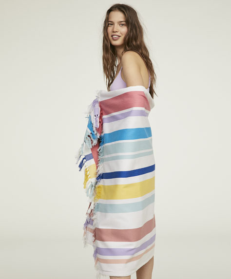 Sarong towel with fringing