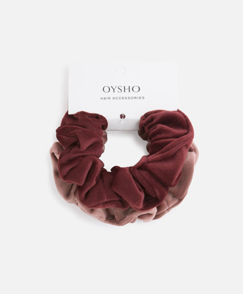 2-pack of velvet scrunchies