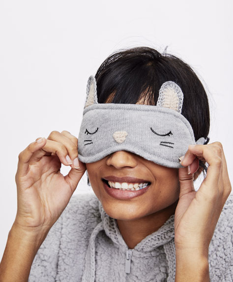 Mouse-shaped eye mask