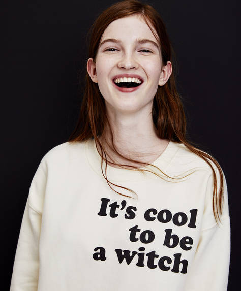 "Sweatshirt ""It's cool to be a witch"""