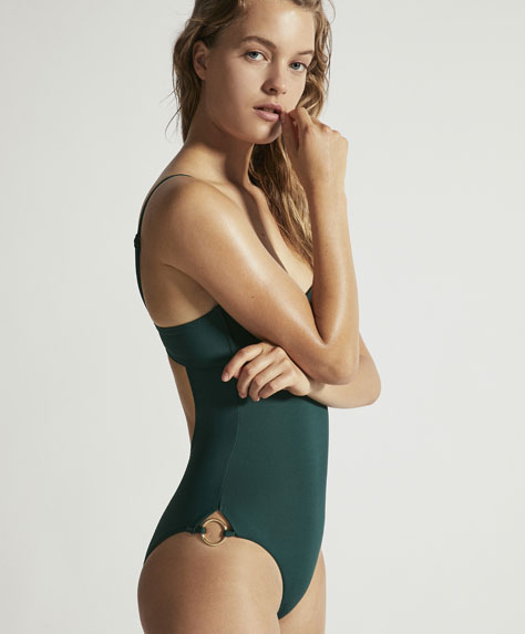 Plain bandeau swimsuit with underwire