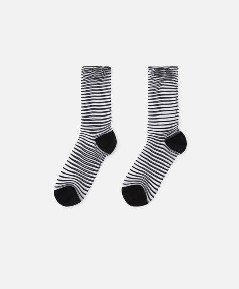 Fashion socks with thin stripes