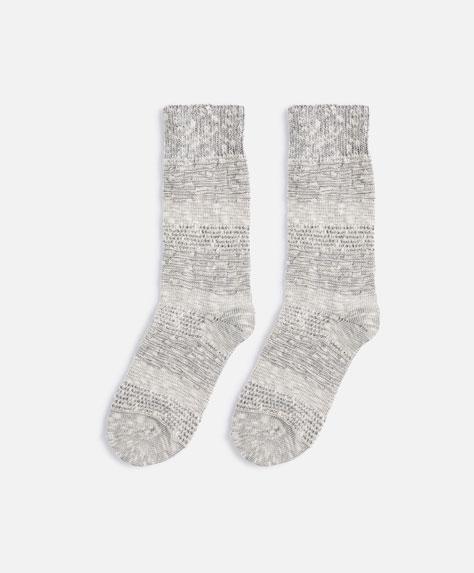 Γκρι πλεκτή κάλτσα