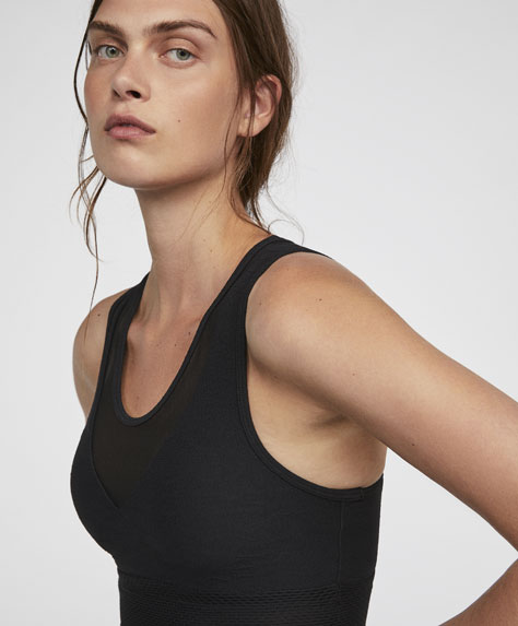 Plain cropped sports bra
