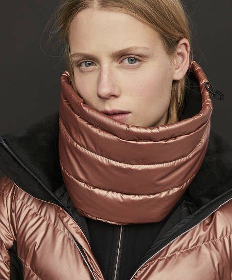 Water-repellent cowl