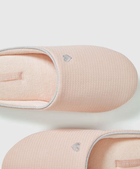 Pantofle basic z różowej piki