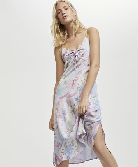 Malvenfarbenes Nachthemd mit tropischem Blumenprint