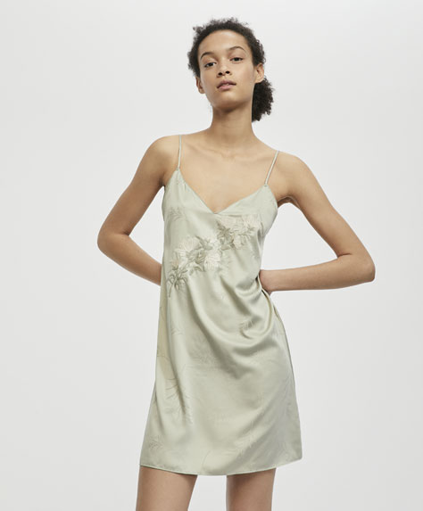Strappy satin nightdress with flower embroidery