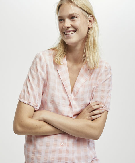 Pink gingham short sleeve nightshirt