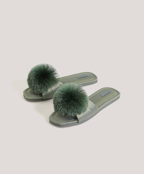 Sateen pompom slides