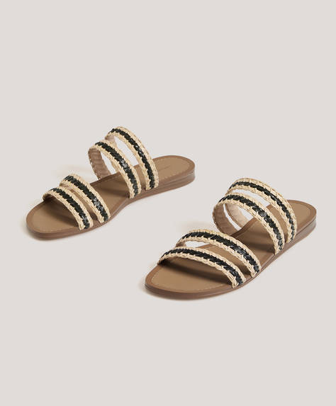 Sandalen mit Flechtdetails auf den Riemchen