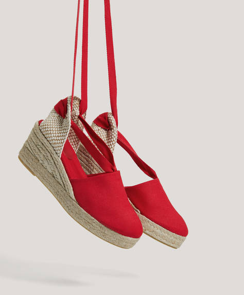Tie-up wedges