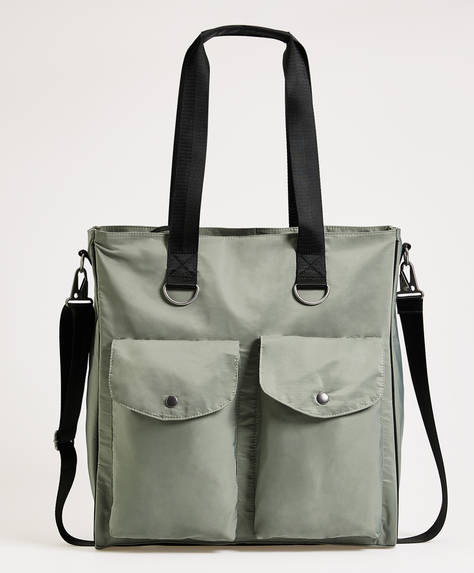 Maxi-bag with pockets