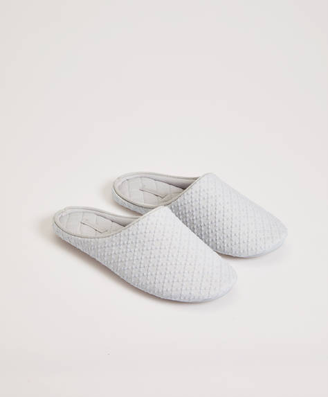 Basic slippers