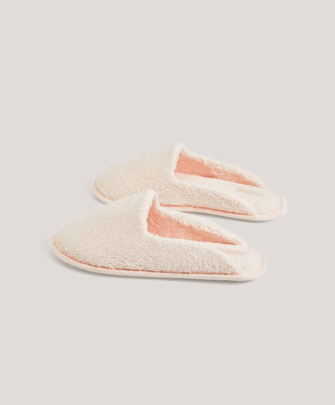 Basic terry cloth slippers