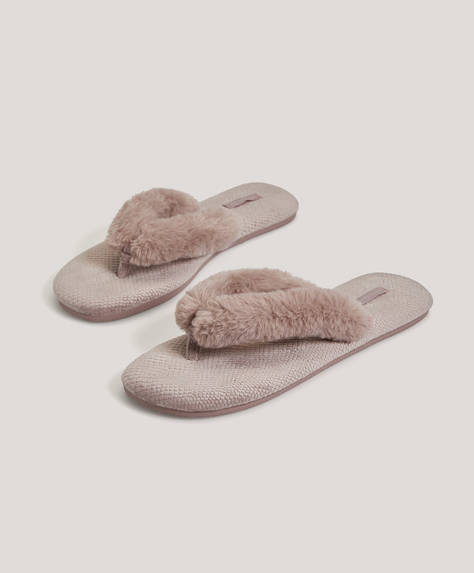 Fluffy strap slippers