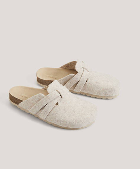 Crossover strap slippers