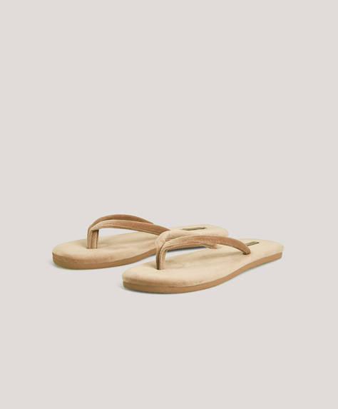 Slim velvet sandals