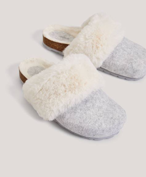 Slippers with fluffy cuff