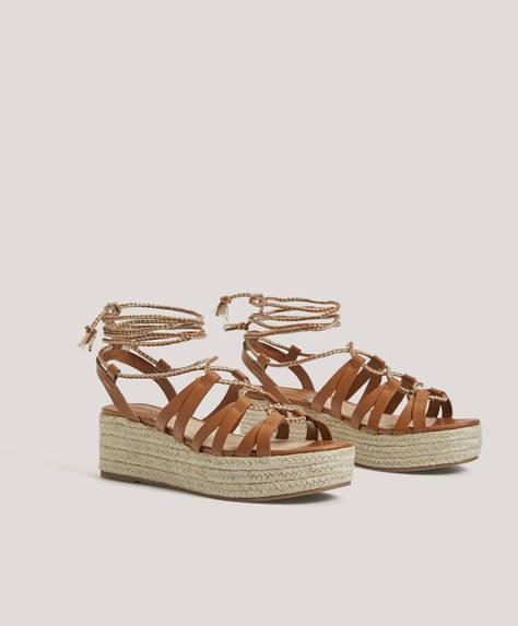 Bağcıklı dolgu topuk sandalet