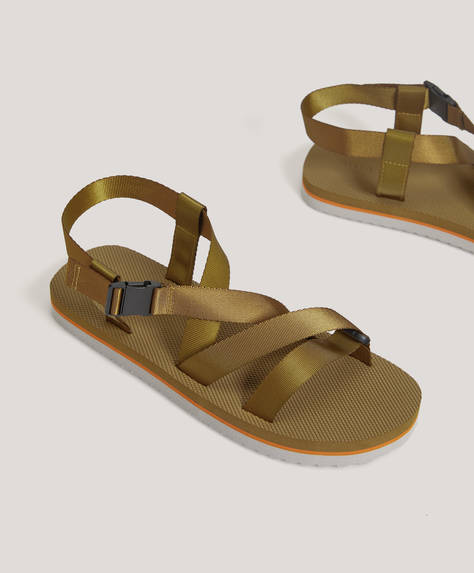 Combined strappy sandals